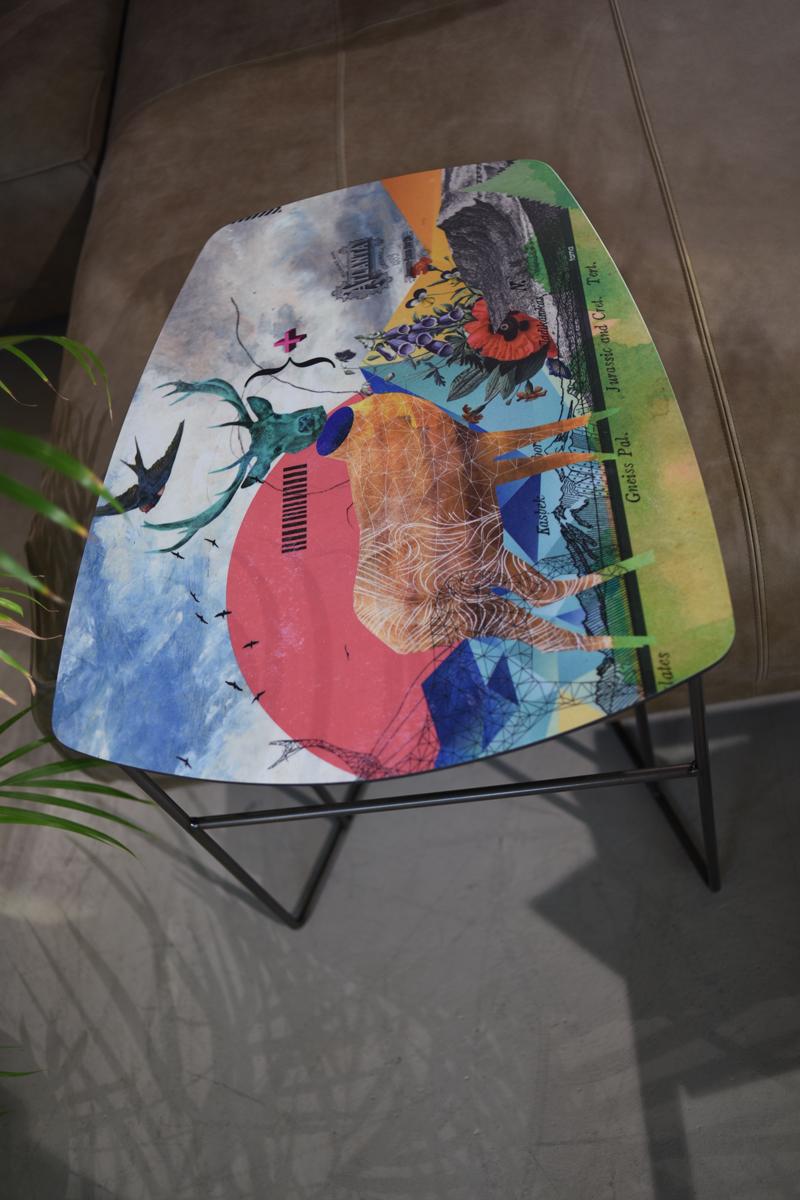 Fama Luke Tisch Ausstellungsstück
