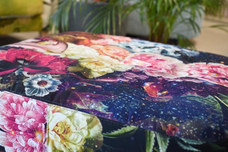 Fama Astoria Hocker Ausstellungsstück
